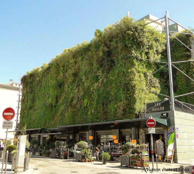 Bức tường thực vật ở chợ Les Halles.