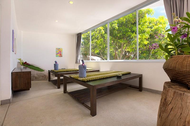 Cửa sổ cỡ lớn bằng kính cung cấp đầy đủ ánh sáng tự nhiên và tầm nhìn đẹp cho mỗi phòng Cửa sổ cỡ lớn bằng kính cung cấp đầy đủ ánh sáng tự nhiên và tầm nhìn đẹp cho mỗi phòng