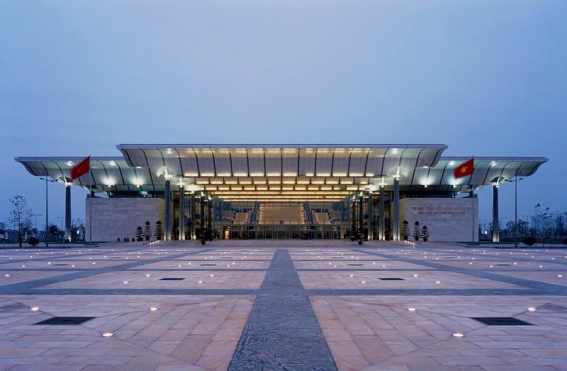 Trung tâm Hội nghị Quốc gia - Đơn vị Thiết kế: gmp International GmbH (Đức) - Ảnh: Christian Gahl Công trình đạt Giải Nhất tại Giải Kiến trúc quốc gia năm 2006