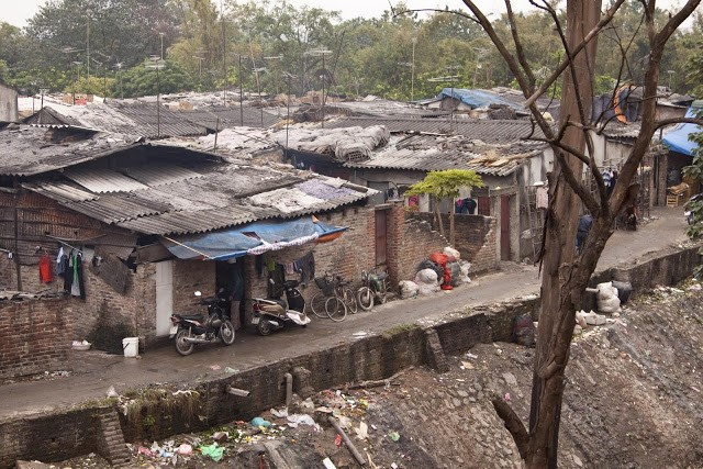 """Đời sống ở """"khu ổ chuột"""" của Hà Nội"""